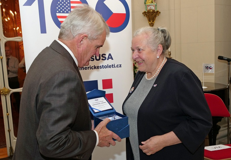Ambassador King presents Centennial Award to Milada Polisenska, photo courtesy of US Embassy Prague